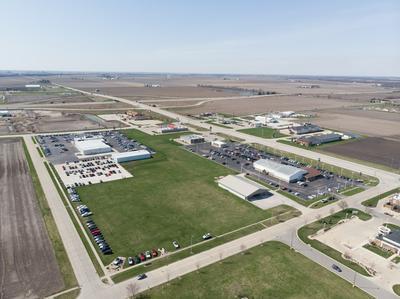 711 S NEWPORT RD, Pontiac, IL 61764 - Photo 2