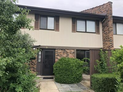 3 TOWER CT, Downers Grove, IL 60516 - Photo 1