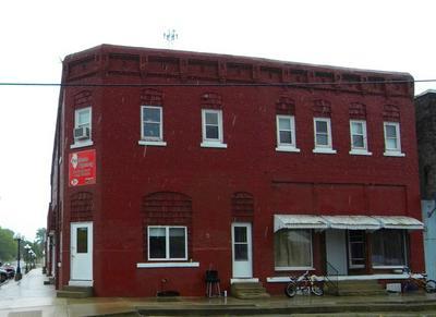 102 S CENTER ST, COLFAX, IL 61728 - Photo 1
