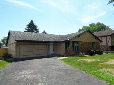 8502 CANDLELIGHT DR W, Willow Springs, IL 60480 - Photo 1