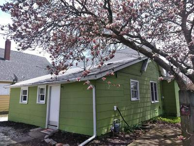 614 E THOMPSON AVE, Hoopeston, IL 60942 - Photo 2