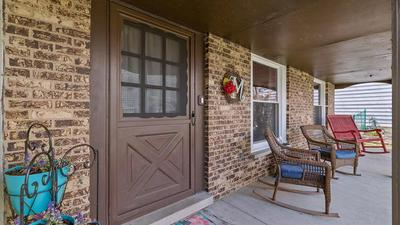 633 INDEPENDENCE AVE, Westmont, IL 60559 - Photo 2