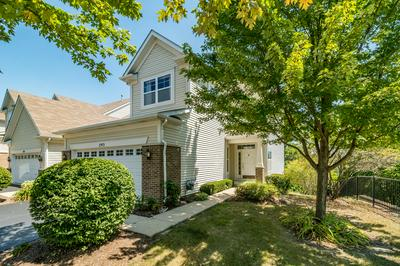 293 HICKORY LN, South Elgin, IL 60177 - Photo 2