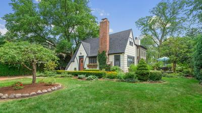 819 S LINCOLN ST, Hinsdale, IL 60521 - Photo 2