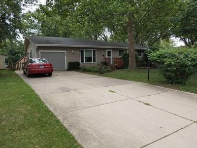 150 ARROWHEAD TRL, Carol Stream, IL 60188 - Photo 2