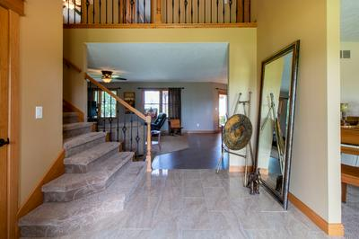 3384 COUNTRY MEADOW LN, Heyworth, IL 61745 - Photo 2