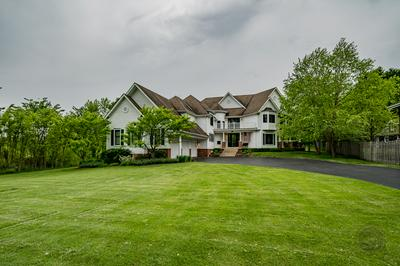 3946 GLENDENNING RD, Downers Grove, IL 60515 - Photo 1