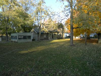 633 S MACON ST, BEMENT, IL 61813 - Photo 2