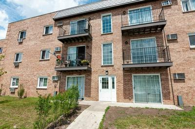 143 W ELK TRL APT 341, Carol Stream, IL 60188 - Photo 1