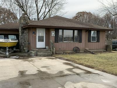 709 S CLAY ST, FAIRBURY, IL 61739 - Photo 2