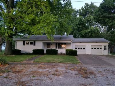 933 WASHINGTON ST, Minonk, IL 61760 - Photo 1