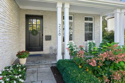 228 FULLER RD, Hinsdale, IL 60521 - Photo 2