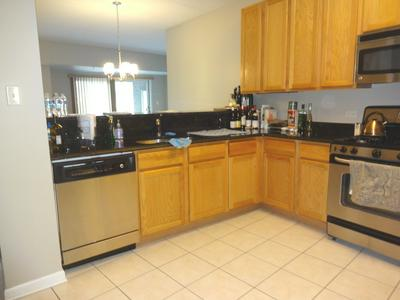 105 LAKEVIEW DR APT 302, Bloomingdale, IL 60108 - Photo 2