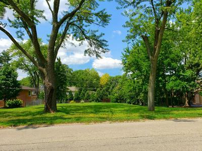 902 S MONROE ST, Hinsdale, IL 60521 - Photo 1