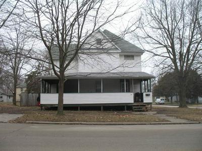 621 E MAIN ST, CLINTON, IL 61727 - Photo 1