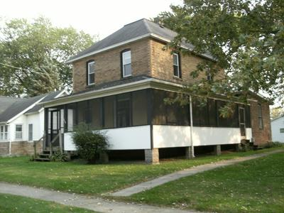 206 E TAYLOR ST, Grant Park, IL 60940 - Photo 1