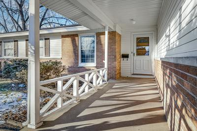 442 LILAC LN, Elk Grove Village, IL 60007 - Photo 2