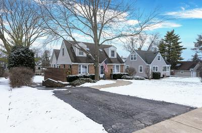 674 N GARFIELD ST, Lombard, IL 60148 - Photo 1