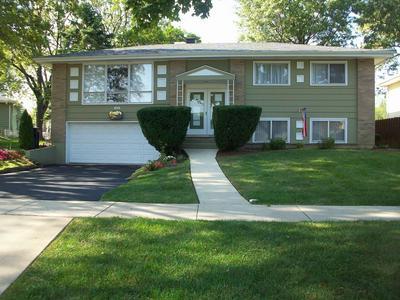 623 LILAC WAY, Lombard, IL 60148 - Photo 1