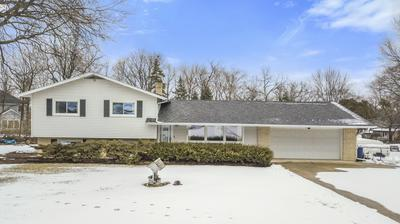 25W062 WOOD CT, Naperville, IL 60563 - Photo 1