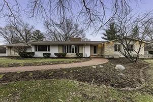67 HILLS AND DALES RD, BARRINGTON, IL 60010 - Photo 1