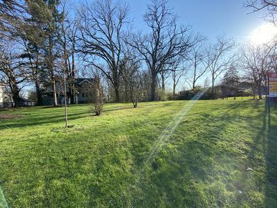 529 W SAINT CHARLES RD, Lombard, IL 60148 - Photo 2