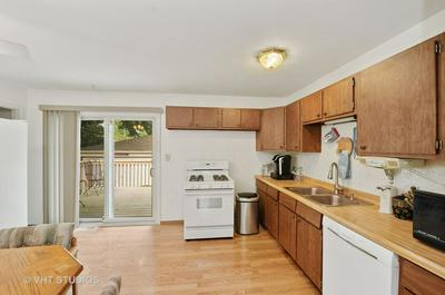 6601 HAWTHORNE DR, Cary, IL 60013 - Photo 2