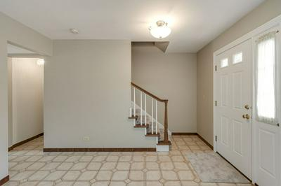 295 BARCLAY DR, Glendale Heights, IL 60139 - Photo 2