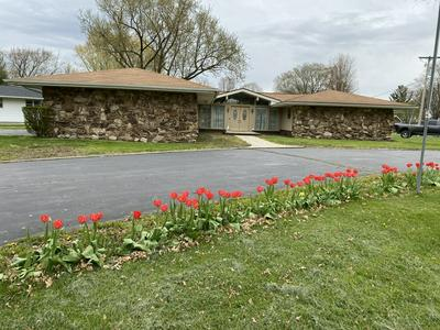 110 W WILLOW ST, Fairbury, IL 61739 - Photo 1