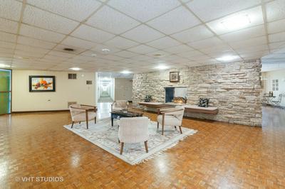5540 WALNUT AVE APT 11A, Downers Grove, IL 60515 - Photo 2