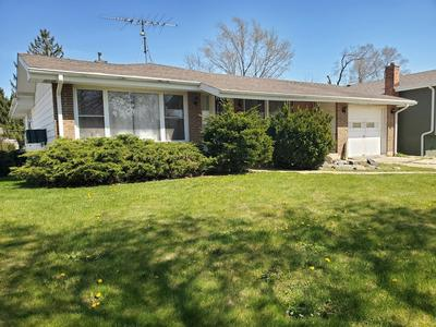 3223 NEWCASTLE RD, Waukegan, IL 60087 - Photo 1