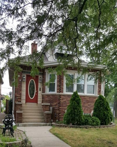 7945 W SUNSET DR, Elmwood Park, IL 60707 - Photo 1