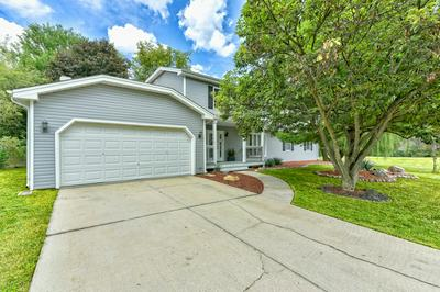 227 W COUNTRY DR, Bartlett, IL 60103 - Photo 2
