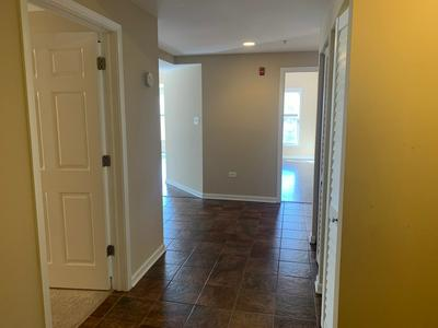 105 LAKEVIEW DR APT 206, Bloomingdale, IL 60108 - Photo 2