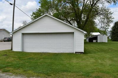 103 E GRANT ST, Papineau, IL 60956 - Photo 2