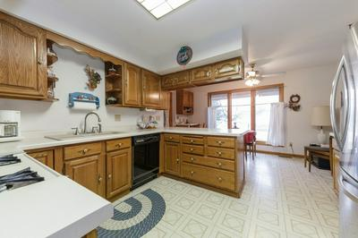 2016 CAMDEN CT, JOHNSBURG, IL 60051 - Photo 2