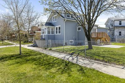 9229 MONROE AVE, Brookfield, IL 60513 - Photo 1