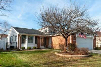 720 JODY LN, Hoffman Estates, IL 60169 - Photo 1