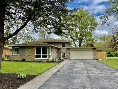 1439 W HAWKINS ST, Kankakee, IL 60901 - Photo 1