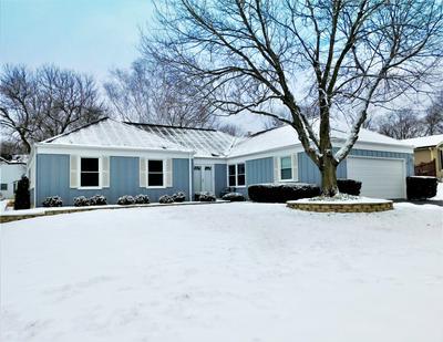 1454 MCCORMICK PL, Wheaton, IL 60189 - Photo 2
