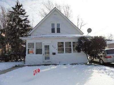 777 WING ST, ELGIN, IL 60123 - Photo 2