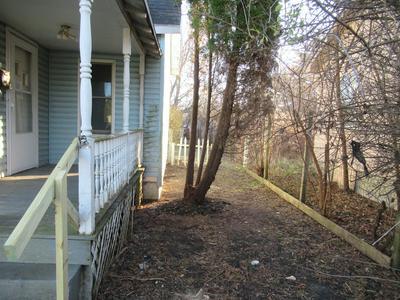 214 KENTUCKY AVE, Westville, IL 61883 - Photo 2