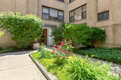 7411 N SEELEY AVE APT 2D, Chicago, IL 60645 - Photo 1