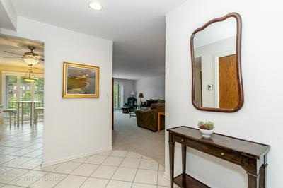 1230 N WESTERN AVE APT 204, Lake Forest, IL 60045 - Photo 2