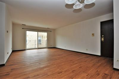 2615 W FOSTER AVE APT 204, CHICAGO, IL 60625 - Photo 2