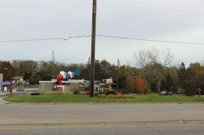 1 E IRVING PARK RD, Schaumburg, IL 60172 - Photo 2
