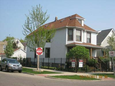 4055 N MAPLEWOOD AVE, Chicago, IL 60618 - Photo 2