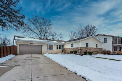 8901 FOREST LN, Hickory Hills, IL 60457 - Photo 1