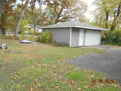 239 W SCHOOL ST, GLENWOOD, IL 60425 - Photo 2