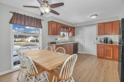 504 RANCH RD, Wheaton, IL 60187 - Photo 2